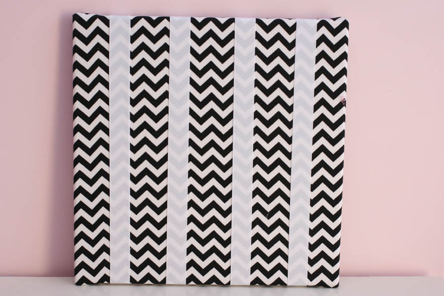 Black & White Chevron Zig Zag Hairclip Board