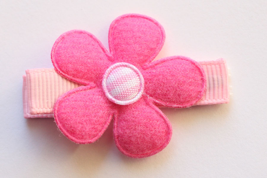 CC15030 Hot Pink Flower Applique