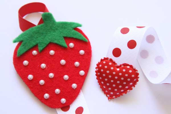 Juicy Strawberry Hairclip Holder