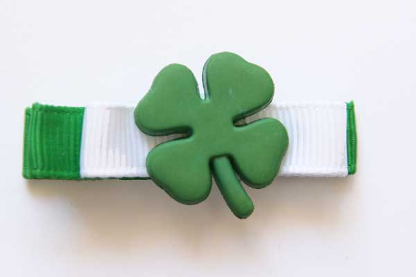 St Patricks Day Bow with Shamrock Resin
