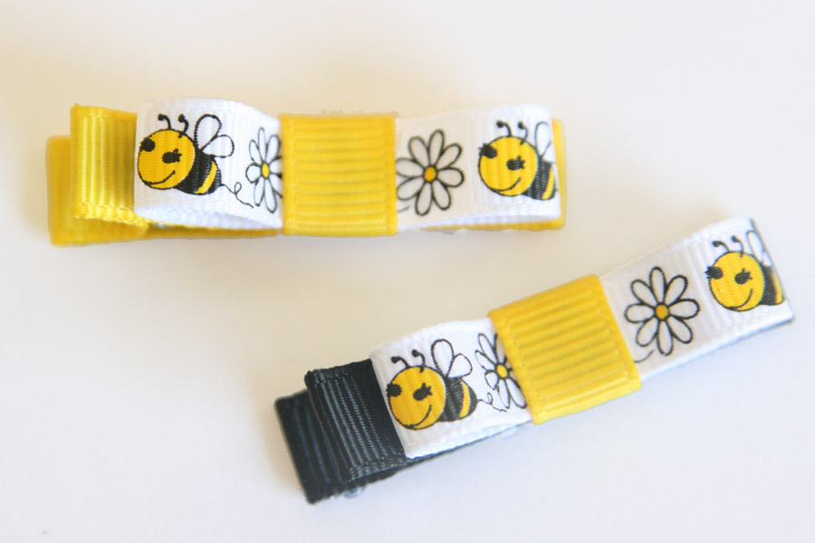 Bumble Bee & Daisies Bow