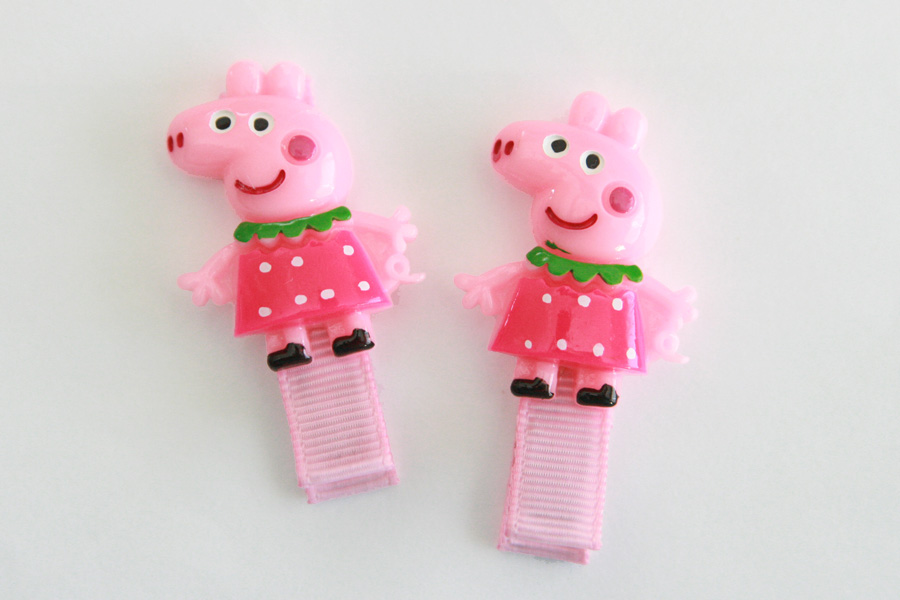Peppa Pig (in a Dress) Resin Clip