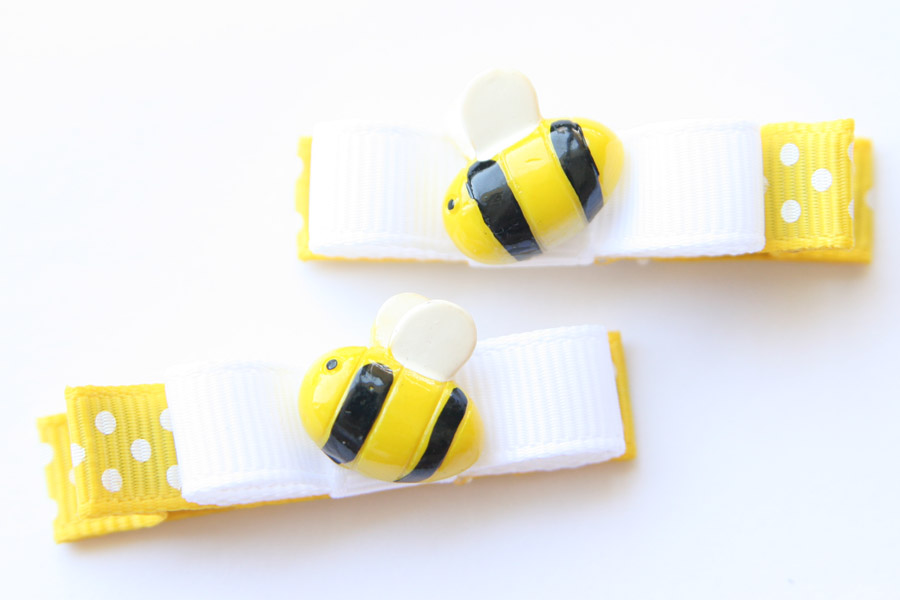 Bumble Bee Resin & Bow Clip
